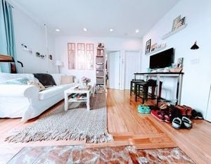 3 Bedrooms, East Village Rental in NYC for $4,000 - Photo 1