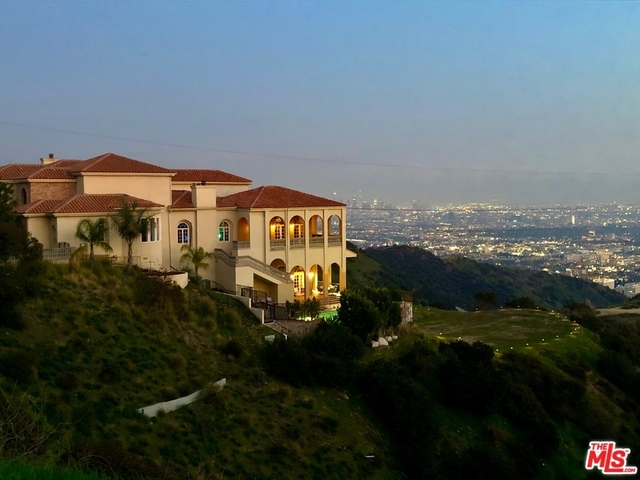 7 Bedrooms, Hollywood Hills West Rental in Los Angeles, CA for $50,000 - Photo 1