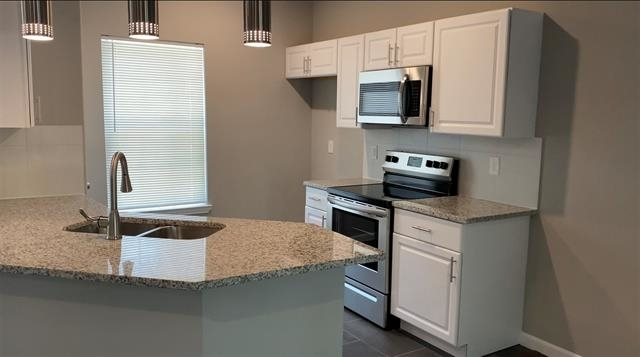 3 Bedrooms, Highland Park Rental in Dallas for $1,450 - Photo 2