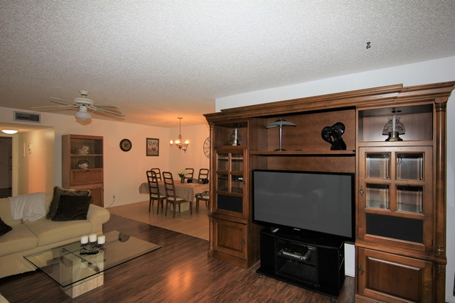 1 Bedroom, High Point of Delray West Condominiums Rental in Miami, FL for $1,700 - Photo 2