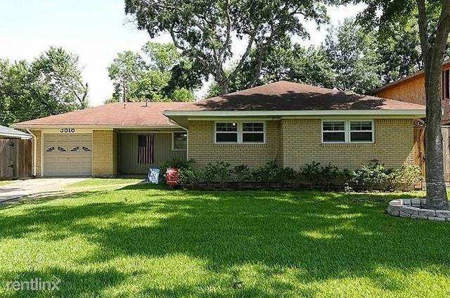 3 Bedrooms, Shenandoah Rental in Houston for $1,449 - Photo 2