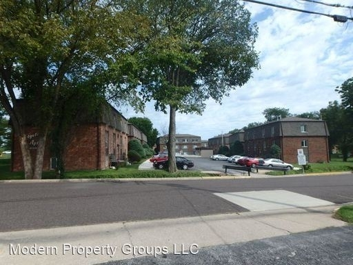 2 Bedrooms, Eastgate Condominiums Rental in Columbia, MO for $450 - Photo 2