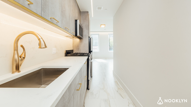 2 Bedrooms, East Williamsburg Rental in NYC for $2,957 - Photo 2