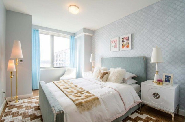 3 Bedrooms, Hell's Kitchen Rental in NYC for $7,400 - Photo 1