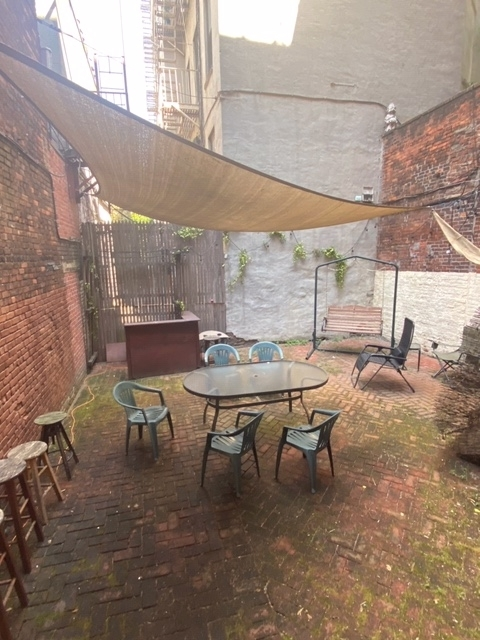 2 Bedrooms, Alphabet City Rental in NYC for $3,295 - Photo 2