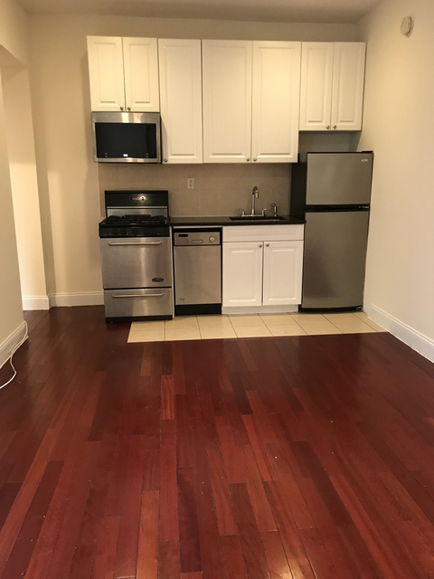 3 Bedrooms, Hell's Kitchen Rental in NYC for $3,325 - Photo 1