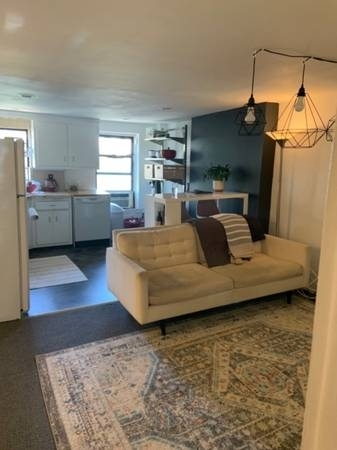 2 Bedrooms, Carroll Gardens Rental in NYC for $2,000 - Photo 1