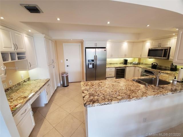 2 Bedrooms, Village of Key Biscayne Rental in Miami, FL for $3,300 - Photo 2