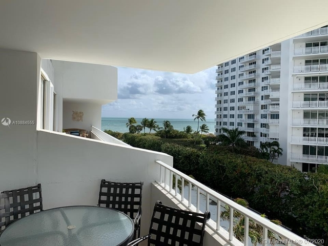 2 Bedrooms, Village of Key Biscayne Rental in Miami, FL for $3,300 - Photo 1