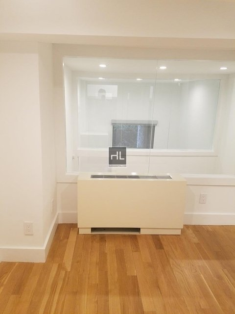 2 Bedrooms, Gramercy Park Rental in NYC for $4,639 - Photo 2