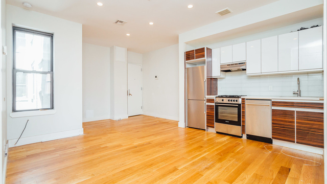 3 Bedrooms, Williamsburg Rental in NYC for $3,583 - Photo 2
