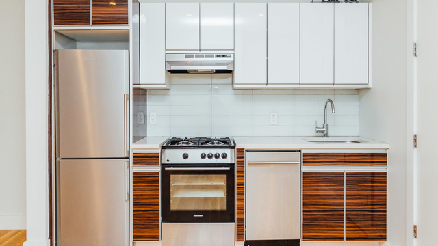3 Bedrooms, Williamsburg Rental in NYC for $3,583 - Photo 1