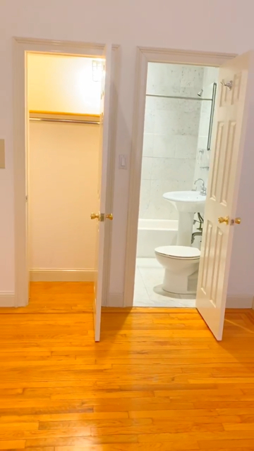 3 Bedrooms, Chelsea Rental in NYC for $6,518 - Photo 2