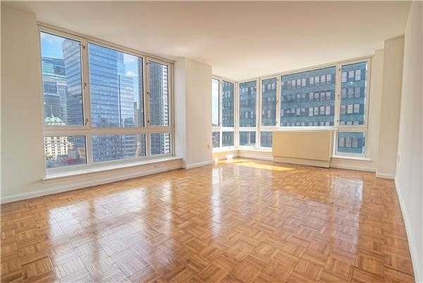 2 Bedrooms, Hell's Kitchen Rental in NYC for $4,415 - Photo 1