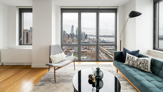 1 Bedroom, Hell's Kitchen Rental in NYC for $3,994 - Photo 2