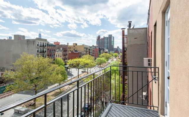 2 Bedrooms, Alphabet City Rental in NYC for $3,692 - Photo 2