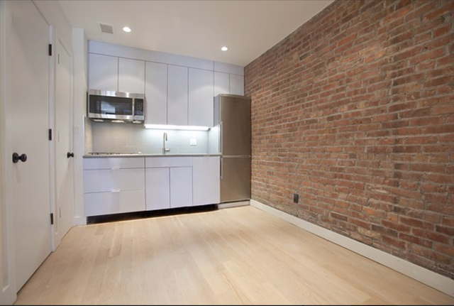 2 Bedrooms, Alphabet City Rental in NYC for $3,692 - Photo 1