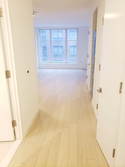 Studio, Hell's Kitchen Rental in NYC for $2,727 - Photo 1