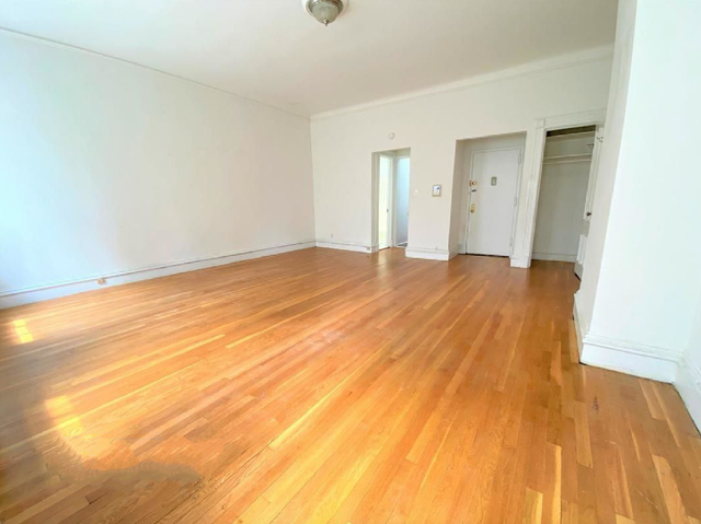 Studio, Lenox Hill Rental in NYC for $1,829 - Photo 2