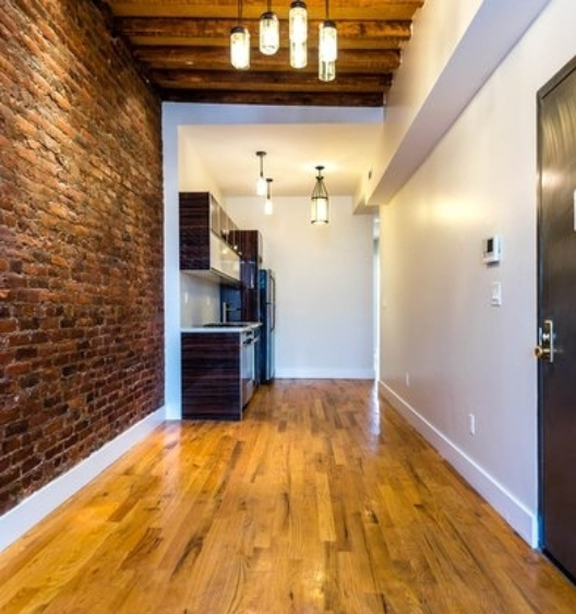 2 Bedrooms, Bushwick Rental in NYC for $2,750 - Photo 2