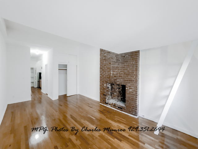 Studio, Yorkville Rental in NYC for $1,879 - Photo 2