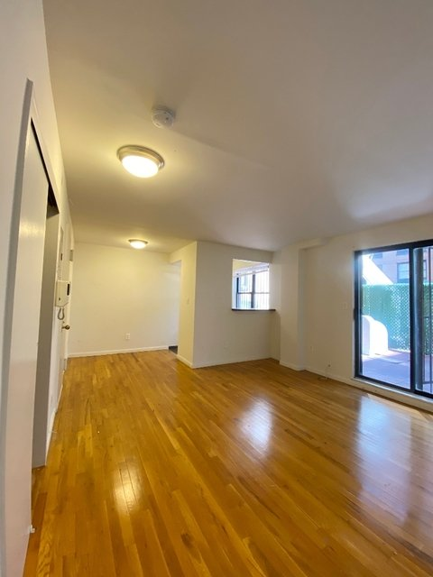Studio, Yorkville Rental in NYC for $2,315 - Photo 2
