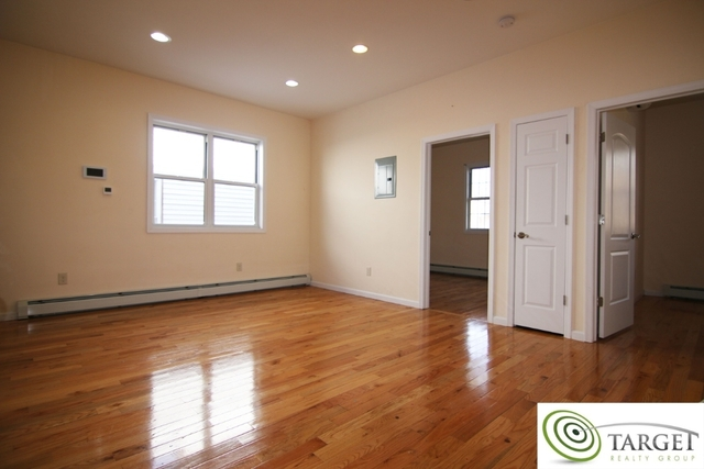 3 Bedrooms, Glendale Rental in NYC for $2,500 - Photo 1
