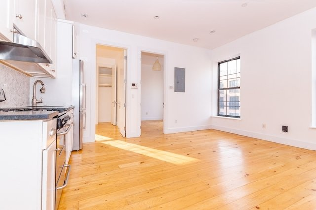 3 Bedrooms, Williamsburg Rental in NYC for $4,599 - Photo 2