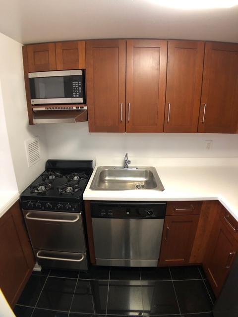 Studio, Theater District Rental in NYC for $3,095 - Photo 2