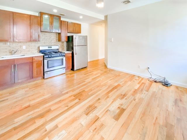 4 Bedrooms, Crown Heights Rental in NYC for $3,546 - Photo 2