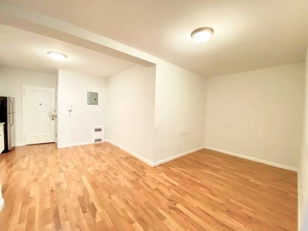 1 Bedroom, Prospect Lefferts Gardens Rental in NYC for $1,950 - Photo 2