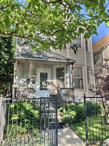 2 Bedrooms, Wrigleyville Rental in Chicago, IL for $2,200 - Photo 1