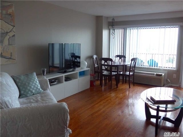 1 Bedroom, Downtown Long Beach Rental in Long Island, NY for $2,250 - Photo 2