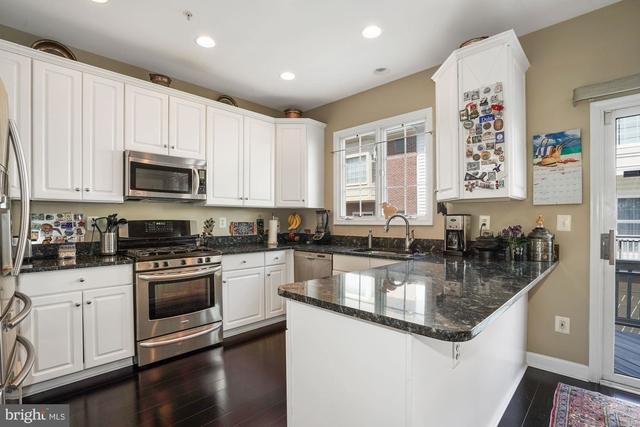 3 Bedrooms, Ashgrove Rental in Washington, DC for $3,200 - Photo 2