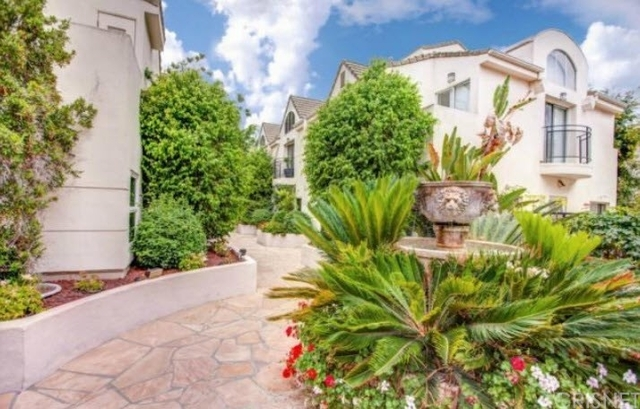 2 Bedrooms, Sherman Oaks Rental in Los Angeles, CA for $3,500 - Photo 1