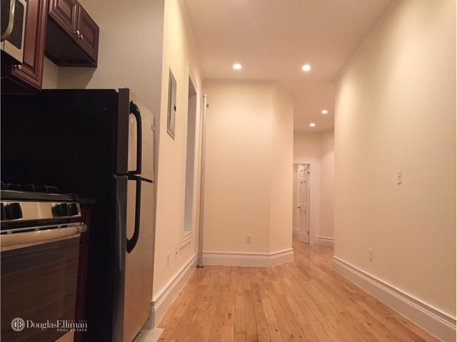 2 Bedrooms, Yorkville Rental in NYC for $2,725 - Photo 2