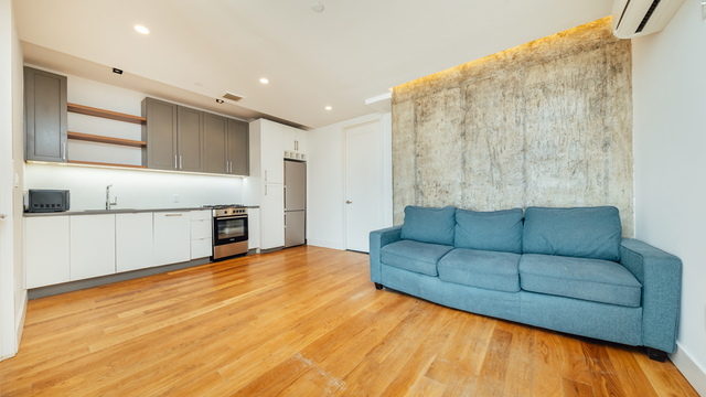 3 Bedrooms, East Williamsburg Rental in NYC for $4,275 - Photo 2