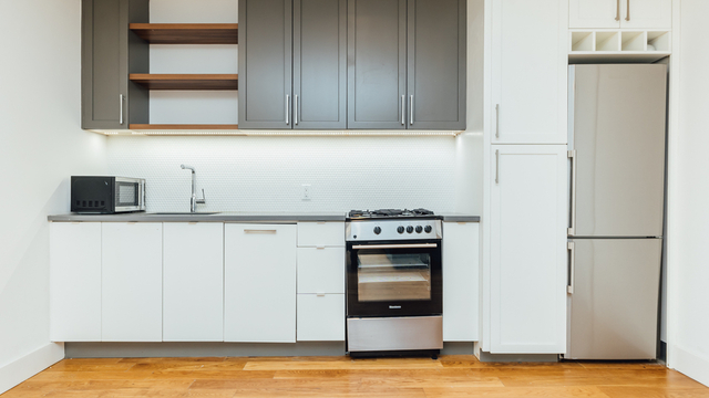 3 Bedrooms, East Williamsburg Rental in NYC for $4,275 - Photo 1