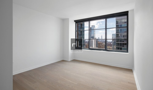 2 Bedrooms, Hell's Kitchen Rental in NYC for $5,682 - Photo 1