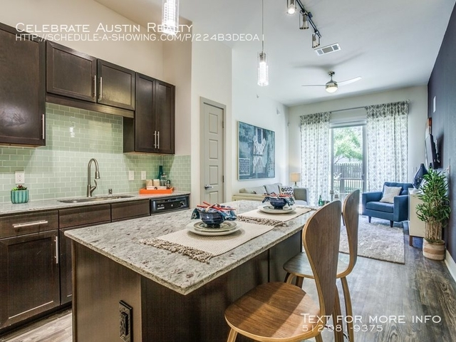 3 Bedrooms, Fort Worth Avenue Rental in Dallas for $2,496 - Photo 2