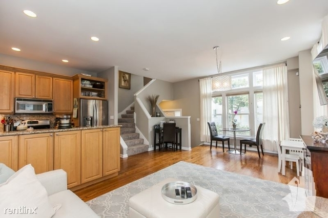3 Bedrooms, Lathrop Rental in Chicago, IL for $3,750 - Photo 1