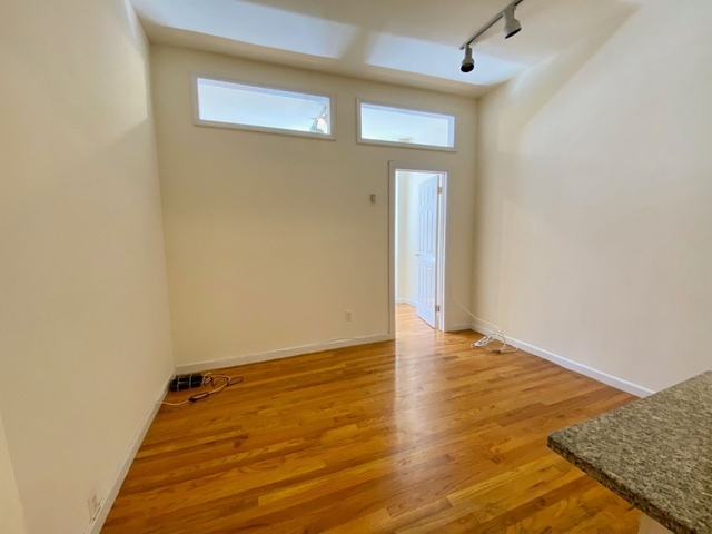 1 Bedroom, Flatiron District Rental in NYC for $2,165 - Photo 2