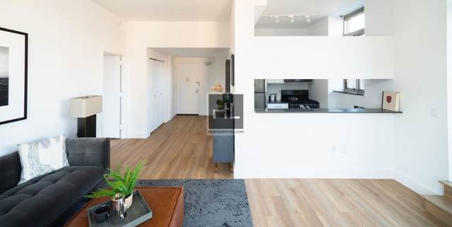1 Bedroom, Chelsea Rental in NYC for $3,388 - Photo 2