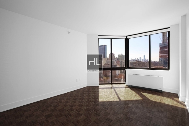 3 Bedrooms, Hell's Kitchen Rental in NYC for $4,971 - Photo 2