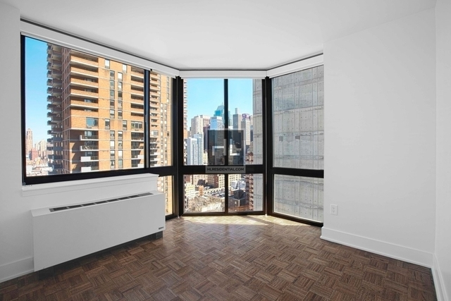 3 Bedrooms, Hell's Kitchen Rental in NYC for $4,971 - Photo 1