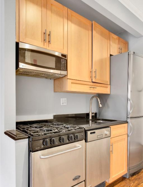 3 Bedrooms, East Village Rental in NYC for $4,895 - Photo 2