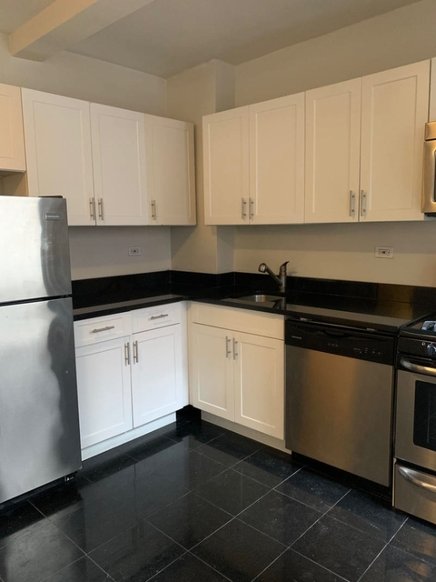 2 Bedrooms, Tudor City Rental in NYC for $3,795 - Photo 2