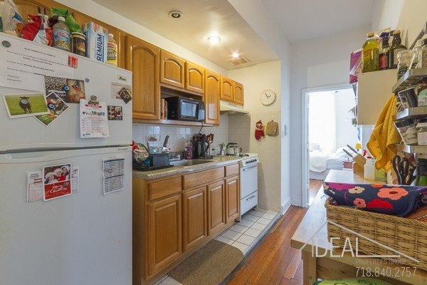 3 Bedrooms, Brooklyn Heights Rental in NYC for $4,000 - Photo 1