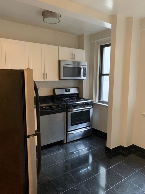 2 Bedrooms, Tudor City Rental in NYC for $4,095 - Photo 1