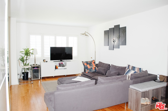 2 Bedrooms, Pico Rental in Los Angeles, CA for $3,350 - Photo 2